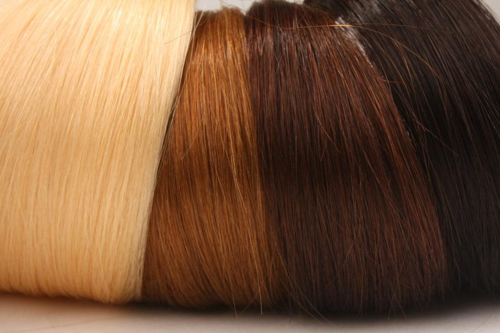 Extensions aus Echthaar in verschiedenen Farben