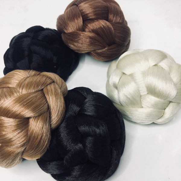 Haarteile in verschiedenen Farben
